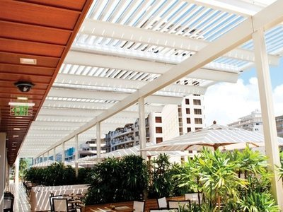 5 Ways Louvered Roof Systems Improve Your Patio in The Villages