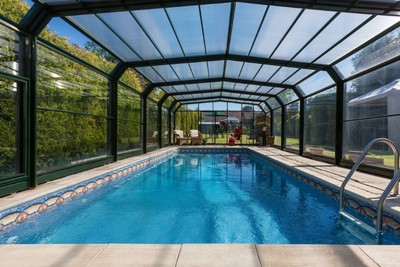 4 Reasons to Get a Pool Enclosure for Spring in The Villages FL